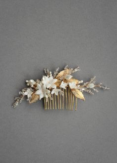 Garden Grandeur | A bespoke gold wedding hair comb for Andrea