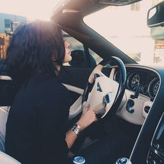 """jenner-news: """" Kylie: """"ridin with my stassiebaby"""" """" Kyle Jenner, Style Kylie Jenner, Nails Kylie Jenner, Kendall Y Kylie Jenner, Kardashian Jenner, Besties, Bff, Jenner Girls, Jenner Sisters"""