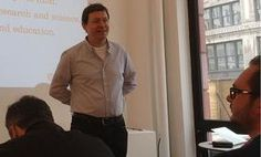 Fred Wilson turns to his crowd with the question: What are the revenue models for web and mobile businesses?