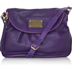 Marc by Marc Jacobs Natasha Classic Q shoulder bag ($420) ❤ liked on Polyvore featuring bags, handbags, shoulder bags, purses, bolsas, accessories, leather shoulder bag, leather hand bags, man shoulder bag and leather shoulder handbags