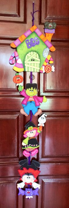 cute idea- would do with different colors though Country Halloween, Halloween Signs, Halloween Cards, Holidays Halloween, Halloween Diy, Happy Halloween, Halloween Decorations, Foam Crafts, Diy And Crafts