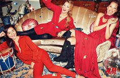 Swedish Fashion Label H&M has found on Doutzen Kroes, Christy Turlington and Liu Wen the perfect combination to convey what we should . H&m Christmas, Christmas Fashion, Christmas Photos, Christmas Editorial, Christmas Campaign, Campaign Fashion, Terry Richardson, Doutzen Kroes, Christy Turlington