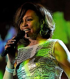 Whitney Houston mourned by the music world: Rihanna, Mariah Carey and more react