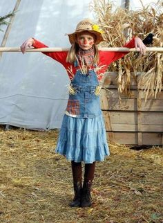 girls scarecrow costume, see more at http://diyready.com/diy-scarecrow-costume-ideas