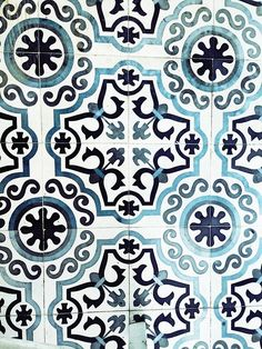 """inspiring-interius: Greek tiles"" maybe I'll take up ceramics and just break it every night. It would be a lost faster than having to pick apart hundreds of rows of weaving."