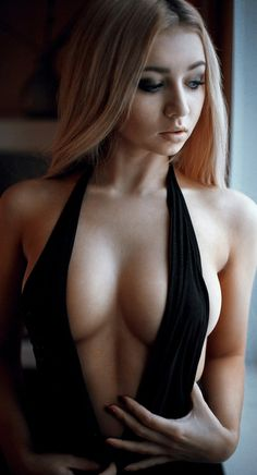 http://j-drawer.blogspot.com/ #junk #sfw #women #girls #boobs #breasts #ass #beauty #sexy #hot #dresses #tshirts