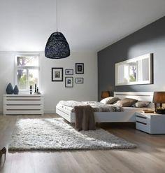 szürke fal és fekete lámpa Living Furniture, Luxury Furniture, Bedroom Furniture, Rearranging Bedroom, Floating Bed, Muebles Living, Small Home Offices, Building A New Home, Gray Bedroom