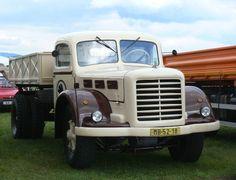 Nejoblíbenější, nejprodávanější a největší hosting v ČR - WEDOS. Vintage Cars, Antique Cars, Commercial Vehicle, Classic Trucks, Old Trucks, Czech Republic, Vehicles, Design, Classic Pickup Trucks