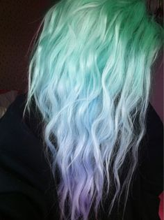 pastel hair hair-and-make-up Pastel Hair, Purple Hair, Purple Ombre, Pastel Blue, Pastel Goth, Mint Green Hair, Mint Hair, Ombre Color, Pelo Multicolor