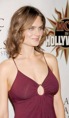 "#Bones TV Series Hotties : Emily Deschanel as Dr. Temprance ""Bones"" Brennan"