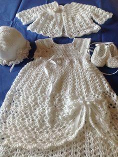 free crochet pattern for baby christening dress Crochet Christening Patterns, Baby Christening Gowns, Christening Outfit, Baptism Dress, Baby Girl Crochet, Crochet Baby Clothes, Crochet Dresses, Gown Pattern, Crochet Designs