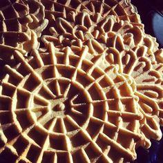 Italian Christmas Cookies | Pizzelle Italian Christmas