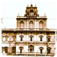 Accademia di Modena by sid_napo_orso_capo, via Flickr