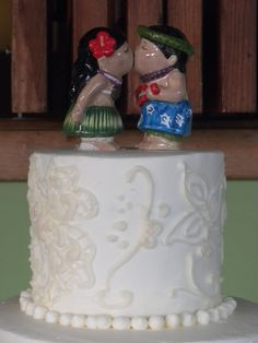 Hawaii wedding cake topper or 1 year anniversary cake :) @nathanaeldollar