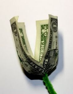 Learn how to make free simple origami money flowers from US dollar bill or any other currency that you have. Currently providing step by step origami instructions with videos, pictures and diagrams that concentrate on flower shape such as origami rose. Origami Money Flowers, Origami Rose, Money Origami, Paper Flowers, Origami Ball, Origami Paper, Folding Money, Origami Folding, Paper Folding