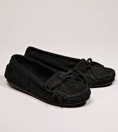 Minnetonka Kilty Suede Moccasin. Side note: I am pinning these for a reason, hopefully my mother will see my board and get the hint.