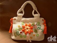 Orange Flower Bag ☺ Free Crochet Pattern ☺ foreign, but nice pictures Crochet Tote, Crochet Handbags, Crochet Purses, Love Crochet, Knit Crochet, Learn Crochet, Tapestry Crochet, Crochet Flower, Beautiful Crochet