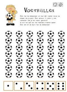 dubbeldobbel voetbal aantal voetballen kleuren, je kan er ook hetzelfde aantal laten schoppen