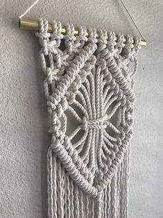 Macrame Wall Hanging/Modern Macrame/Weaving/Tapestry/Wall
