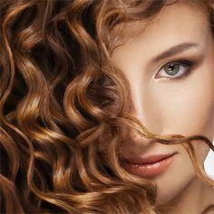 Íme, a leggyorsabb módszer a haj begöndörítésére Videós segítséggel