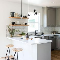 If you are looking for Apartment Kitchen Design Ideas, You come to the right place. Below are the Apartment Kitchen Design Ideas. This post about Apartment . Home Decor Kitchen, Rustic Kitchen, Home Kitchens, Kitchen Hacks, Kitchen Furniture, Dream Kitchens, Wood Furniture, Kitchen Trends, Kitchen Makeovers