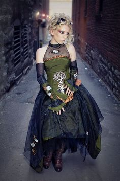 """Dresses by """"KMKDesigns."""" Steampunk Embroidered Wedding Gown with Gothic Nature Designs """"Organic Clockwork Gown"""" Steampunk Wedding Dress, Steampunk Dress, Victorian Steampunk, Steampunk Clothing, Steampunk Fashion, Gothic Fashion, Steampunk Couture, High Fashion, Vintage Fashion"""