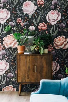 Anewall offers a beautiful black and pink rose mural for walls. This vintage dark rose wallpaper allows for paste free application and easy removal. Rose Wallpaper, Trendy Wallpaper, Bedroom Wallpaper, Floral Wallpapers, Eclectic Wallpaper, Butterfly Wallpaper, Floral Pattern Wallpaper, Victorian Wallpaper, Temporary Wallpaper