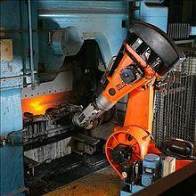 deze pin verteld iets over een robotarm. een robotarm word vaak gebruikt in een fabriek omdat dat minder mensen betekent dus minder loon geven en hij doet het precieser en de robotarm word voor andere dingen gebruikt.