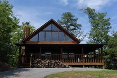 Pigeon Forge, TN: Pigeon Forge chalet rentals: Bluff Mountain Acres Chalet 302 is a 1 bedroom, plus loft, 2 bath chalet located about 5 miles from downtown Pigeon Forge...