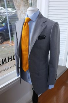 Suit : Dugdale worsted with Neapolitan shoulder and wide notch lapel Tie: Drake's for PJOHNSON For: IA
