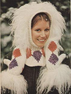 9f8573be512 Knitting Pattern Vintage Ski Hat Snood Hood by GrandmaHadItGoinOn