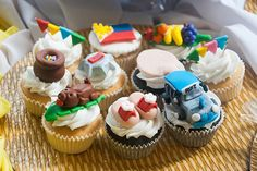 A fun-filled Filipino Fiesta inspired party for boys Fiesta Cake, Fiesta Theme Party, Party Themes, Party Ideas, Filipino, Cake Illustration, Fondant Toppers, Themed Cupcakes, Just Peachy