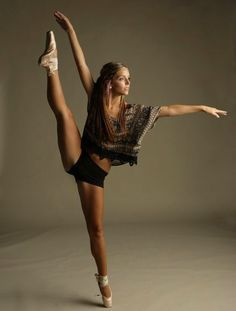 I will learn to do this someday: if I learn to do the splits and go en point :D