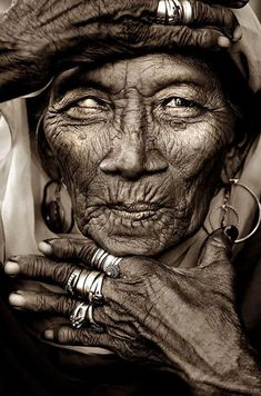 Old Lady, wrinckles, hands, fingers, lines of life, blind, powerful face, intense eyes, rings, jewelry, portrait, beauty, photo b/w.