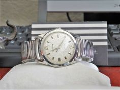 Vtg 1967 Bulova Automatic Waterproof Swiss Men's Watch w/ Stainless Steel Band! Bulova Watches, Stainless Steel Case, Omega Watch, Bracelet Watch, Watches For Men, Jewelry Watches, Band, Accessories, Sash