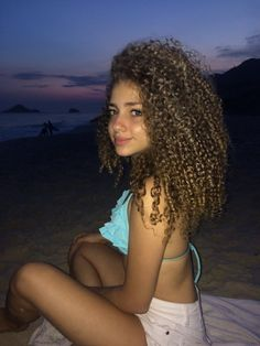 Holy Molly Tight Shorts Thursday and I cant Keep my Eyes Off Photos) - Page 3 of 8 - Clare K Pelo Mohawk, Biracial Women, Beauty Skin, Hair Beauty, Curly Hair Styles, Natural Hair Styles, Dream Hair, The Most Beautiful Girl, Curly Girl