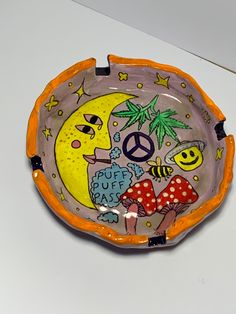 Moon mushrooms peace hippie boho ashtray Ceramic Pottery, Pottery Art, Ceramic Art, Diy Clay, Clay Crafts, Hippie Art, Hippie Boho, Clay Art Projects, How To Make Clay