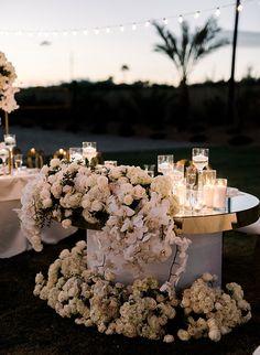 Modern Destination Wedding in Palm Springs - Inspired By This wedding decor wedding decor wedding decor decor diy decor ideas Floral Wedding, Wedding Colors, Wedding Bouquets, Wedding Flowers, Wedding Outfits, Wedding Styles, Palm Springs, Wedding Table, Rustic Wedding