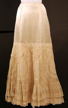 Petticoat Date: 1890s Culture: American Medium: silk, cotton Dimensions: Length at CB: 40 in. (101.6 cm)