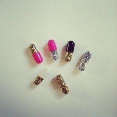.pill glitter >what