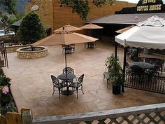 Love to do a stamped concrete patio like this in my back yard. Outside Patio, Outside Living, Outdoor Living, Concrete Patio Designs, Concrete Patios, Stone Patios, Flagstone, Patio Pictures, Stamped Concrete