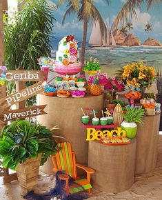 Festa Tropical: 110 ideias e tutoriais cheios de alegria e cores Moana Themed Party, Moana Birthday Party, Hawaiian Birthday, Flamingo Birthday, Luau Birthday, Aloha Party, Tiki Party, Luau Party, Kids Luau Parties