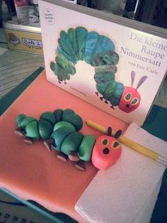#die_kleine_Raupe_Nimmersatt #the_little_hungry_catterpillar #cake_topper #Kuchenkiste