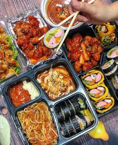 Image in Korean👄foods&drinks collection by Ichikawa tsubaki Cute Food, Good Food, Yummy Food, K Food, Food Goals, Aesthetic Food, Korean Food, Food Cravings, Food Photo
