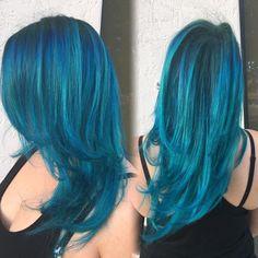 """ #bluehair #tealhair #teal #colormelt #ombre #balayage #olaplex #vivids #pravanavivids #pravana #pravanateal #UnicornTribe #miamihairstylist…"""