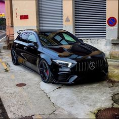 Luxury Sports Cars, Top Luxury Cars, Sport Cars, Mercedes Benz Amg, Carros Mercedes Benz, Amg Car, Benz Car, Classe A Amg, Carros Premium