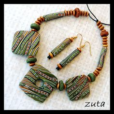 Necklace and earrings by Verundela, via Flickr