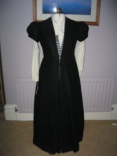 Middle Class Tudor Gown
