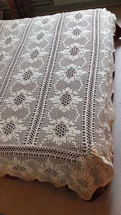 Antique French Handmade Lace bedspread w/ by GabriellesGrandson, €95.00