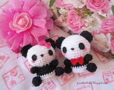 A little love everyday!: Amigurumi Panda free pattern